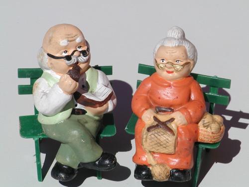Oma Und Opa Auf Der Bank Shop Tse